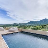 Hotel Pictures: Designer villa sea and mountain, Aregno
