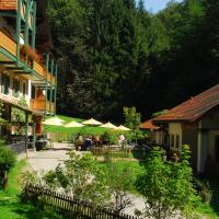 Hotel Pictures: Naturidyll Hotel Hammerschmiede, Anthering