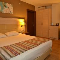 Double or Twin Room with Land View