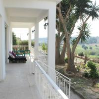Hotel Pictures: Maroni Holiday Homes, Maroni