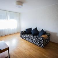 Hotel Pictures: Sutochno Peterburi Apartment, Tallinn