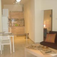 Hotel Pictures: New Two Bedroom Small House, Limassol