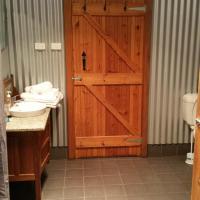 Hotel Pictures: Stone Hut Cottages, Wirrabara