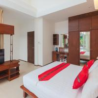 Executive 3-bedroom Villa with Pool View