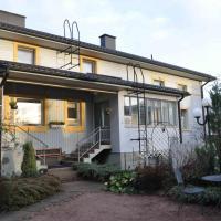 Hotel Pictures: Apartment Hotel Kuukkarin Kortteeri, Pori