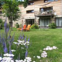 Hotel Pictures: Maison Lac de Malaguet, Monlet