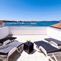Luxury Accommodation White Residence