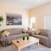 Three-Bedroom Townhouse with Lake View at Terra Verde