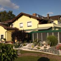 Hotel Pictures: Ferienwohnungen Martha, Obersammelsdorf
