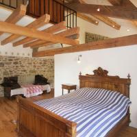 Fifteen-Bedroom House