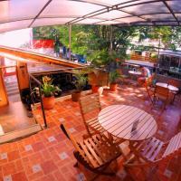 Hotel Pictures: Maloka Hostel, Medellín