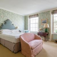 Four-Bedroom Apartment - Alderney Street IV
