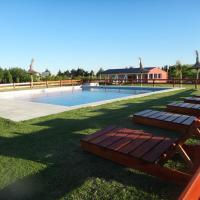 Hotel Pictures: Cabañas La Escapada, Gualeguaychú
