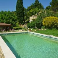 Hotel Pictures: Holiday home Vaugines, Vaugines
