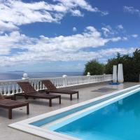 Hotel Pictures: Golden View Residence, Dhërmi