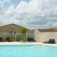 Hotel Pictures: Holiday home Codognan 8, Codognan