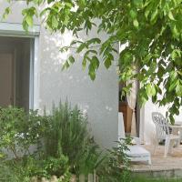 Hotel Pictures: Holiday home L'Oree des Bois I St Georges de Didonne, Saint-Georges-de-Didonne