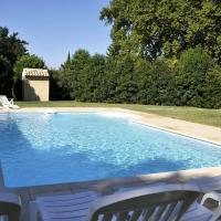 Hotel Pictures: Apartment Les Platanes Cabannes, Saint-Andiol
