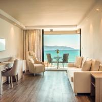 Deluxe Suite with Balcony and Sea View
