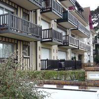 Hotel Pictures: Carol Park, Deauville
