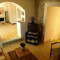 Hotel Pictures: Holiday home Le Bastidon Oppede, Oppède