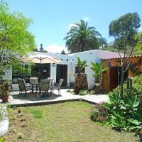 Hotel Pictures: Holiday home Casita del Palmeral Villa de Moya, Moya