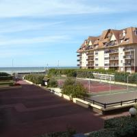 Hotel Pictures: Apartment Les Normandieres V Cabourg, Cabourg