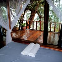 Tree House with one bed Room