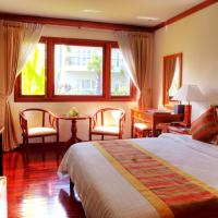 Five-Bedroom Villa (10 Adults) - Free Airport Transfers