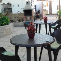 Hotel Pictures: La Llar de Laura, El Poblenou del Delta