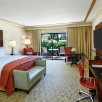 Deluxe King Club Room