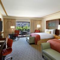 Deluxe Queen Club Room with Two Queen Beds