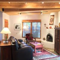 Hotel Pictures: Casa Cuma Bed & Breakfast, Santa Fe