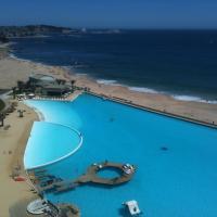 Hotel Pictures: Apartamento San Alfonso del Mar Crucero, Algarrobo