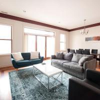 Three-Bedroom Apartments on Fullerton