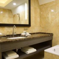 One-Bedroom King Deluxe Suite
