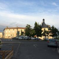 Hotel Pictures: Résidence La Cigogne, Jonzac