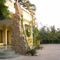 Hotel Pictures: Sampson's Guesthouse Company Ltd., Kwashieman
