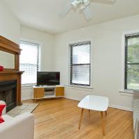 Four-Bedroom Near Wrigley Field 1E
