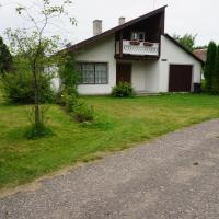 Hotel Pictures: Kuunari Holiday Home, Mändjala