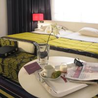 Classic Double Room with Twin Beds with Patio View