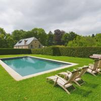 Hotel Pictures: Holiday Home En Face du Château, Gesves
