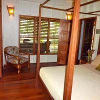 Luxury Queen Suite with Ocean View