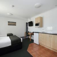 Twin Room with Kitchenette Facilities
