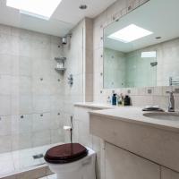 Four-Bedroom Apartment - Petersham Place II