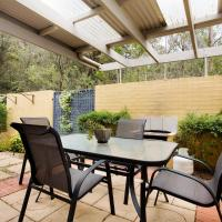 Hotel Pictures: Tathra Beach House Holiday Apartments, Tathra