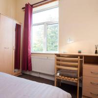 Triple Room with Double Bed and Sofa Bed U4