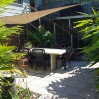 Hotel Pictures: B&B Squeakygate Retreat, Maclean