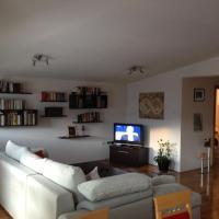 Hotel Pictures: Central & Cosy Apartment, Bihać