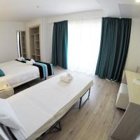 Comfort Triple Room with Pool View